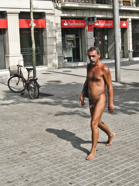 nude in barcelona streets 2008