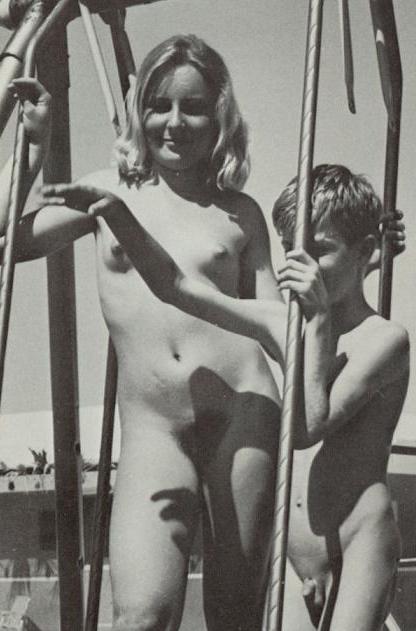 Warm Nude Nudist Galleries HD
