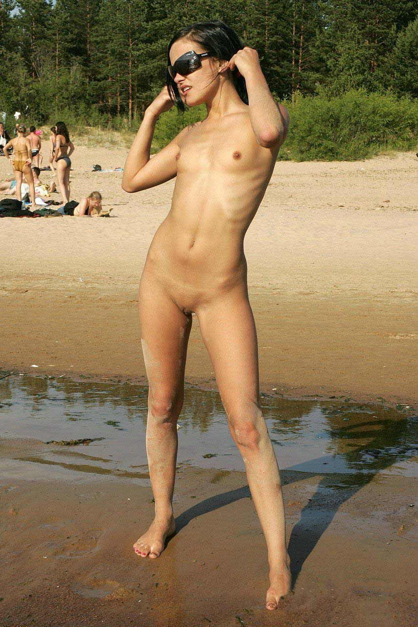 www.nudismlife.com   4 http://www.nudismlife.com /galleries/nudists_and_nude/russian_nudists_beach/sosnovy_young_nudist_woman_9.jpg