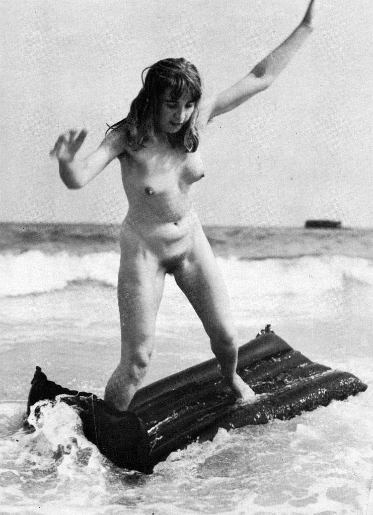 https://www.nudismlife.com/galleries/nudists_and_nude/the_most_natural_nudists/the_most_natural_nudists_0001.jpg