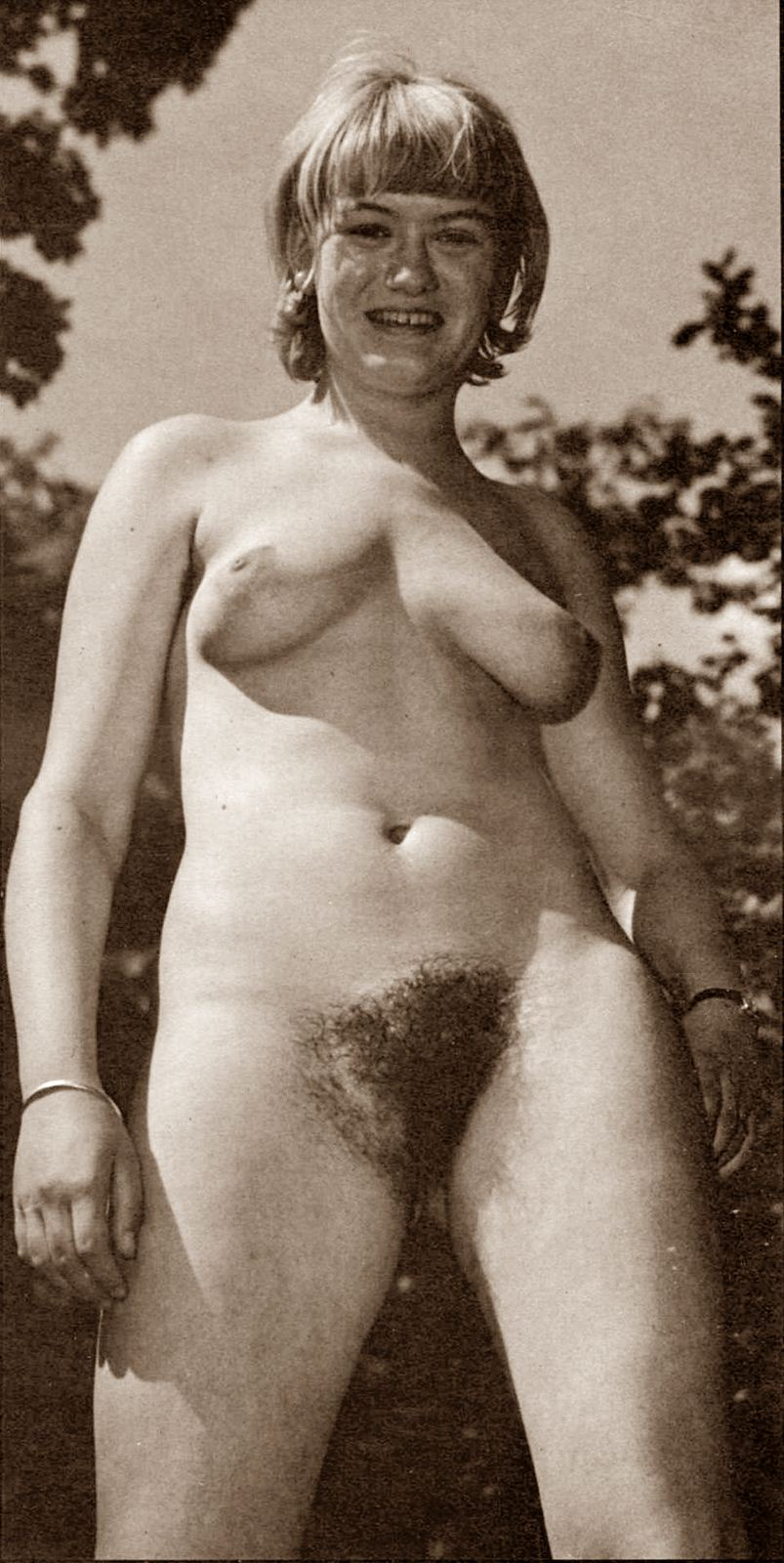 https://www.nudismlife.com/galleries/nudists_and_nude/the_most_natural_nudists/the_most_natural_nudists_0034.jpg