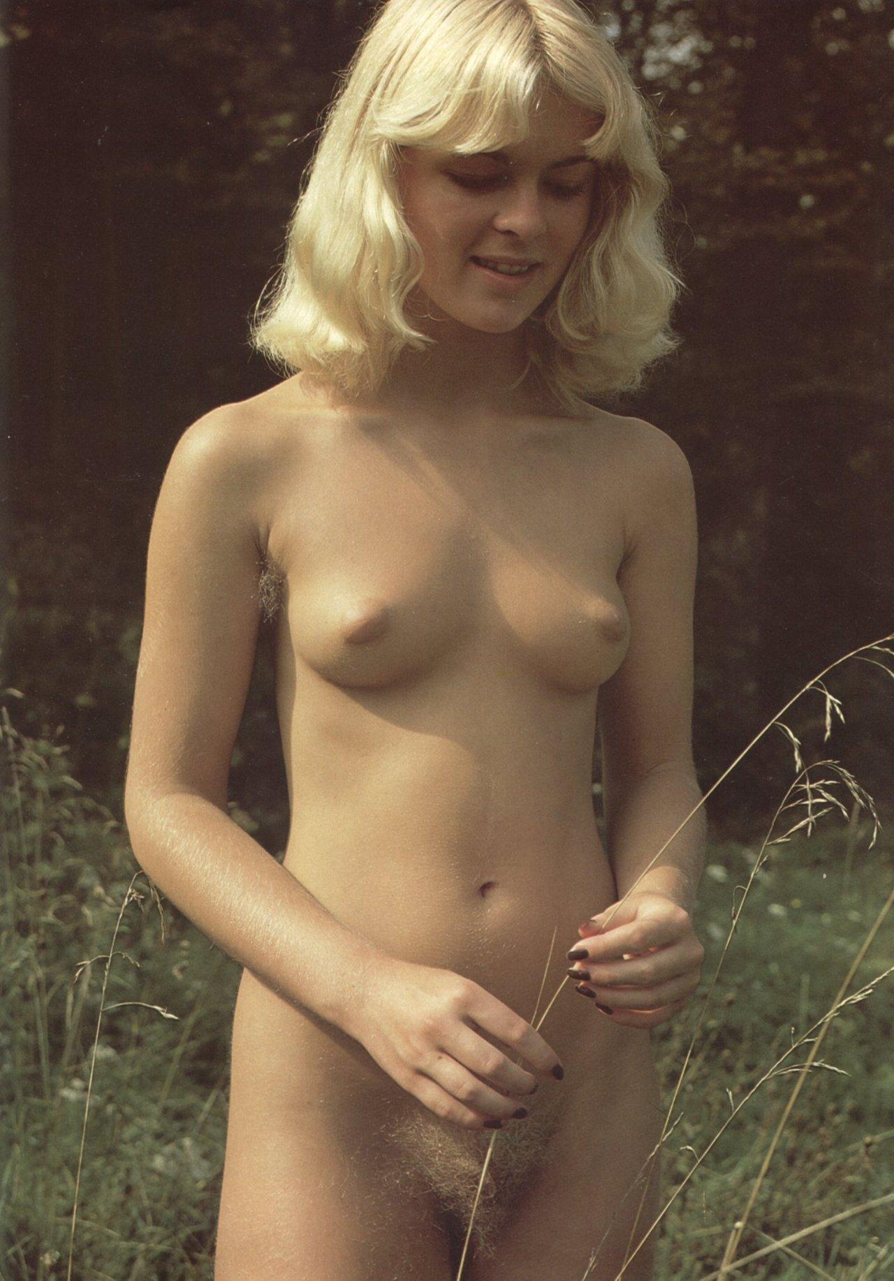 https://www.nudismlife.com/galleries/nudists_and_nude/the_most_natural_nudists/the_most_natural_nudists_0036.jpg