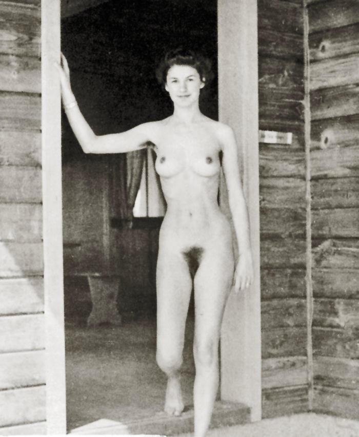 https://www.nudismlife.com/galleries/nudists_and_nude/the_most_natural_nudists/the_most_natural_nudists_0046.jpg
