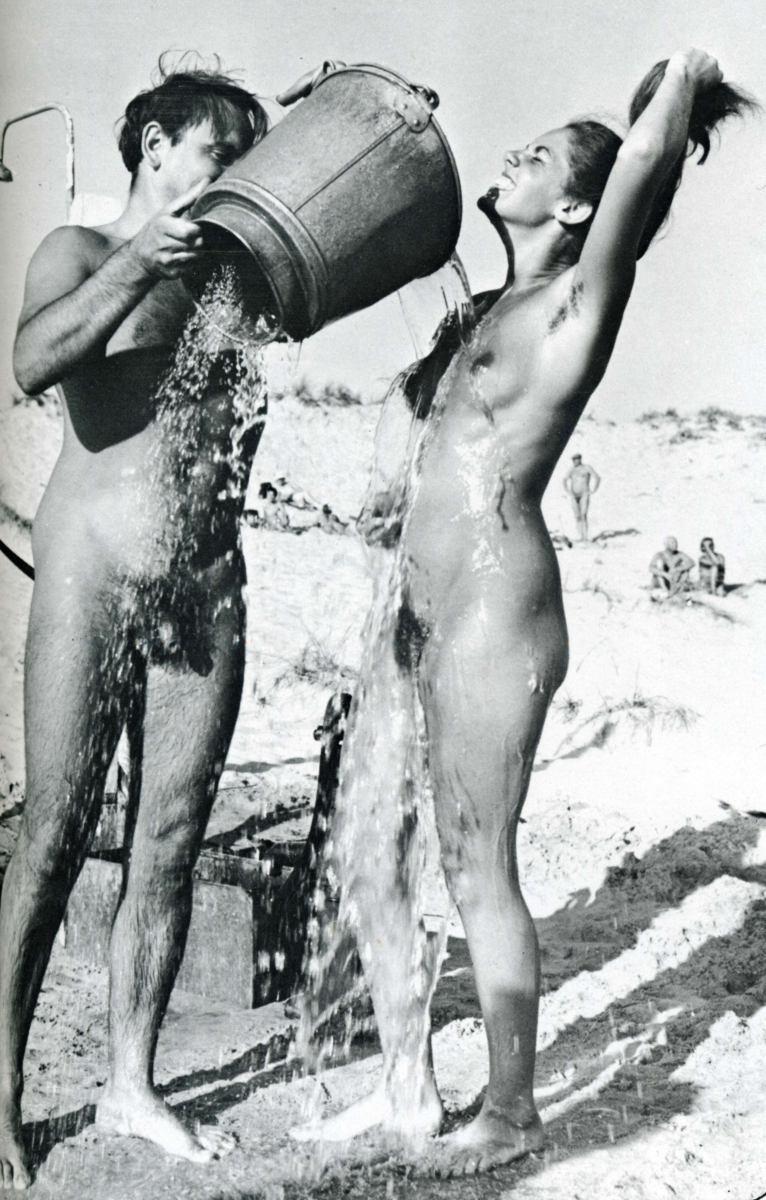 https://www.nudismlife.com/galleries/nudists_and_nude/the_most_natural_nudists/the_most_natural_nudists_0049.jpg