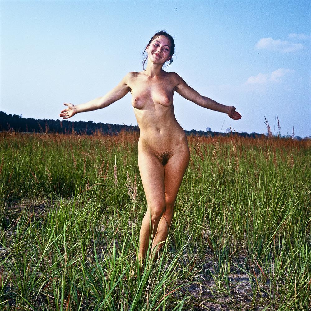 https://www.nudismlife.com/galleries/nudists_and_nude/the_most_natural_nudists/the_most_natural_nudists_0077.jpg