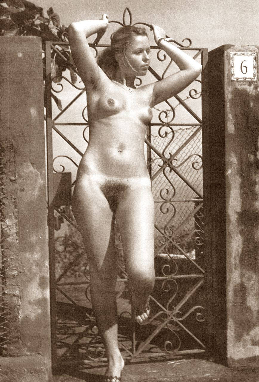 https://www.nudismlife.com/galleries/nudists_and_nude/the_most_natural_nudists/the_most_natural_nudists_0082.jpg