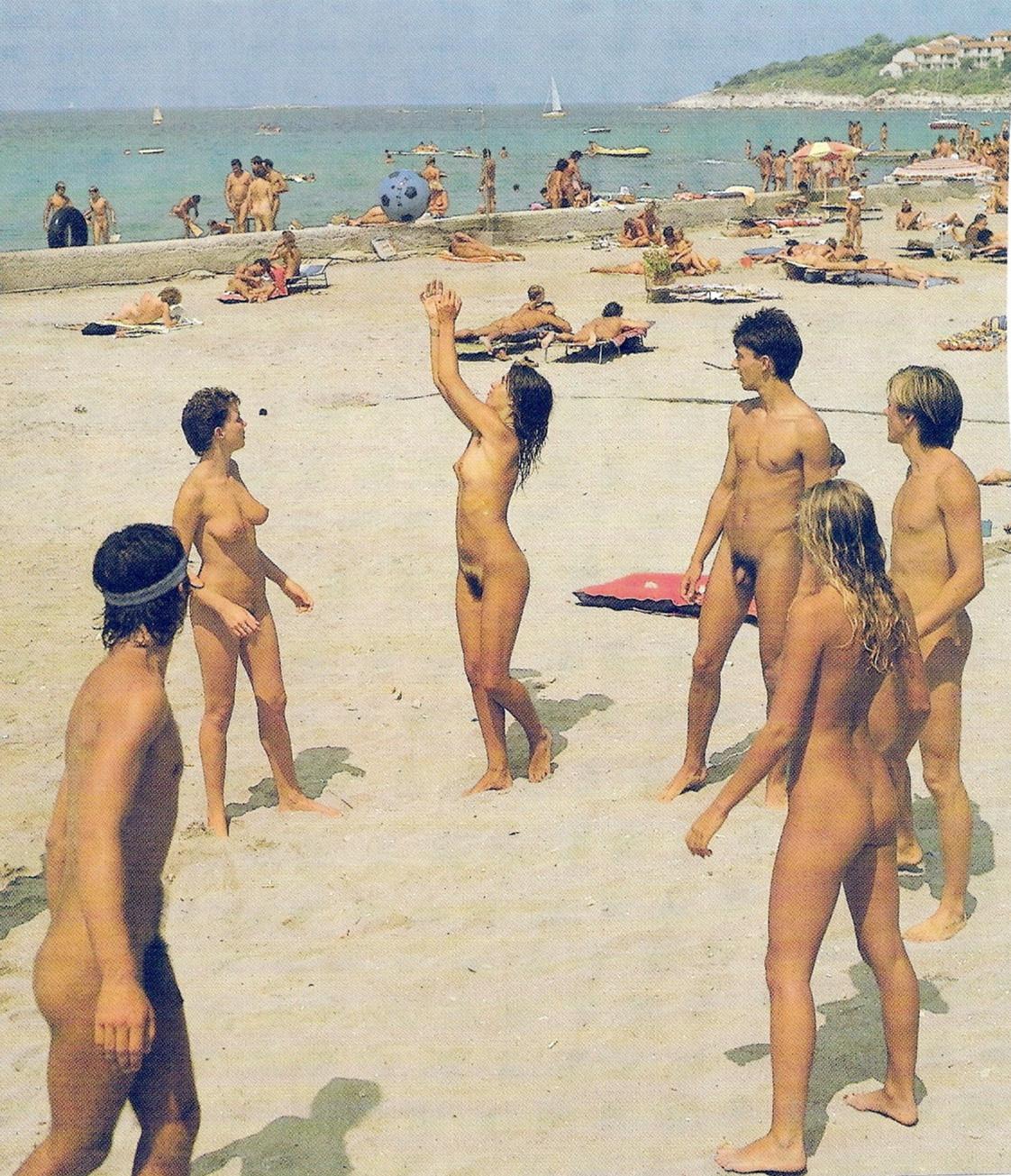 https://www.nudismlife.com/galleries/nudists_and_nude/the_most_natural_nudists/the_most_natural_nudists_0086.jpg