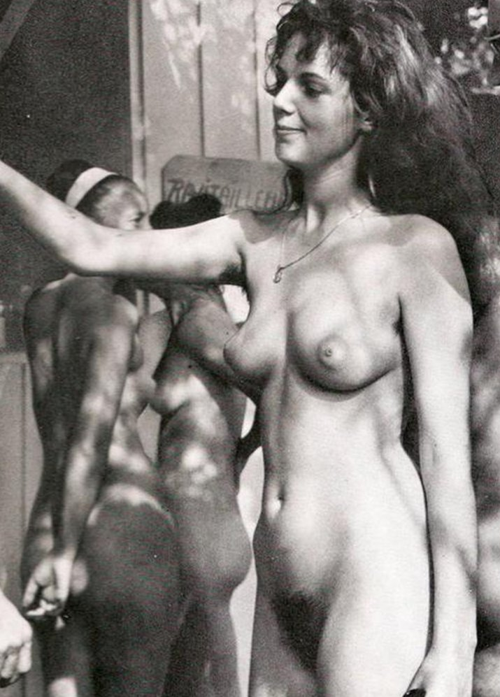 https://www.nudismlife.com/galleries/nudists_and_nude/the_most_natural_nudists/the_most_natural_nudists_0103.jpg