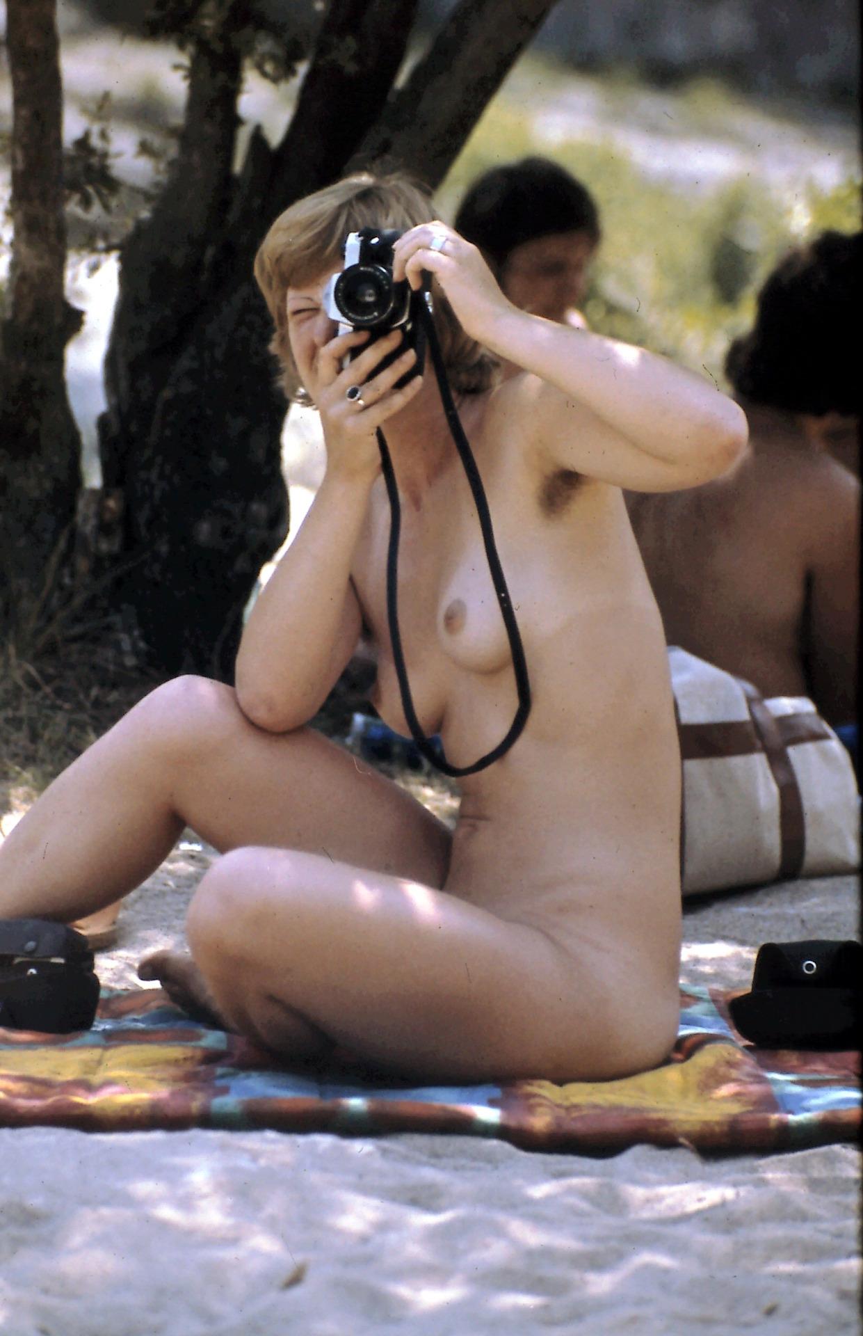 https://www.nudismlife.com/galleries/nudists_and_nude/the_most_natural_nudists/the_most_natural_nudists_0108.jpg