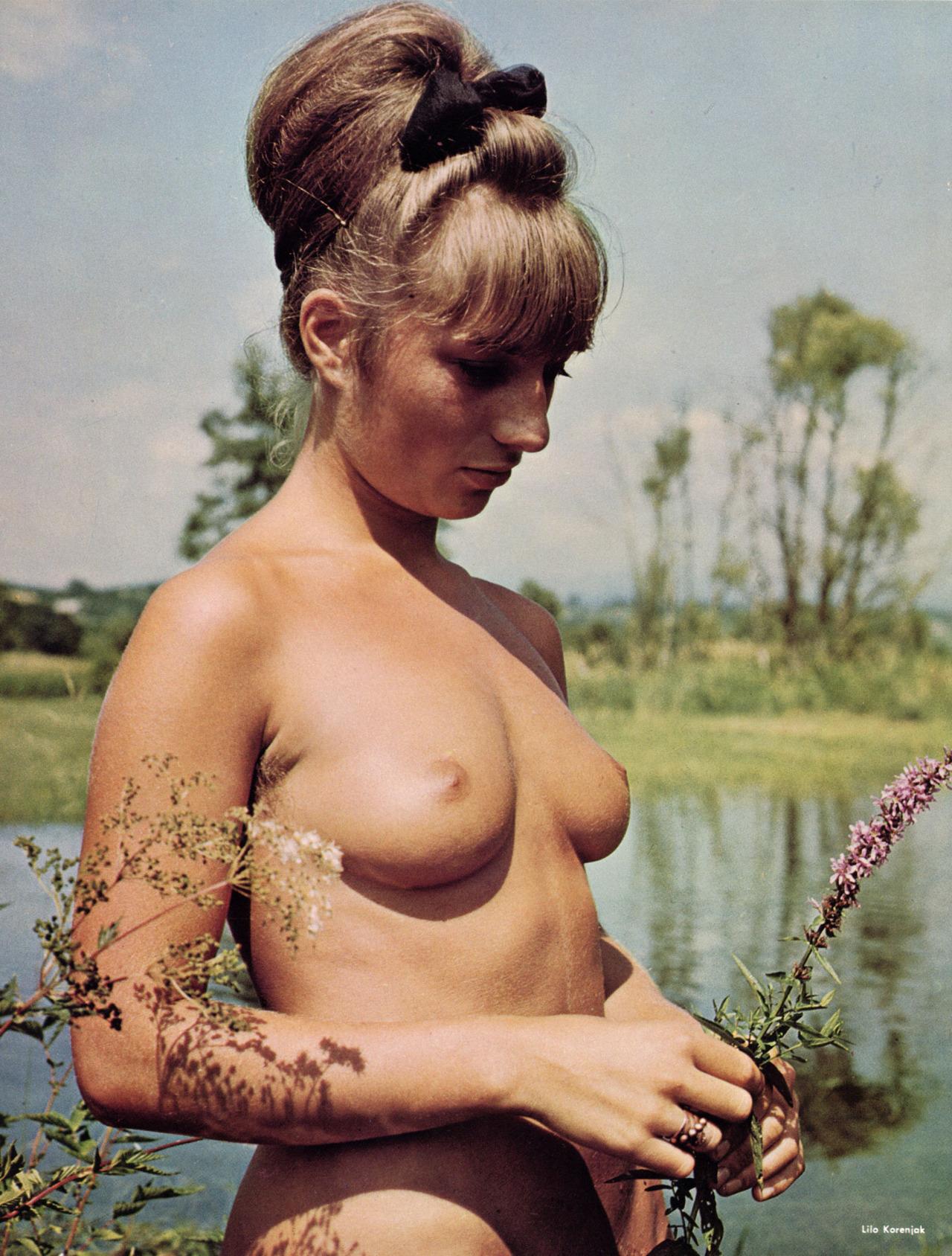 https://www.nudismlife.com/galleries/nudists_and_nude/the_most_natural_nudists/the_most_natural_nudists_0118.jpg