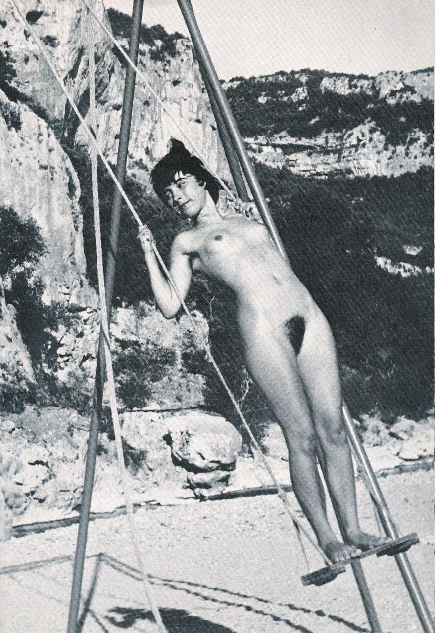 https://www.nudismlife.com/galleries/nudists_and_nude/the_most_natural_nudists/the_most_natural_nudists_0136.jpg