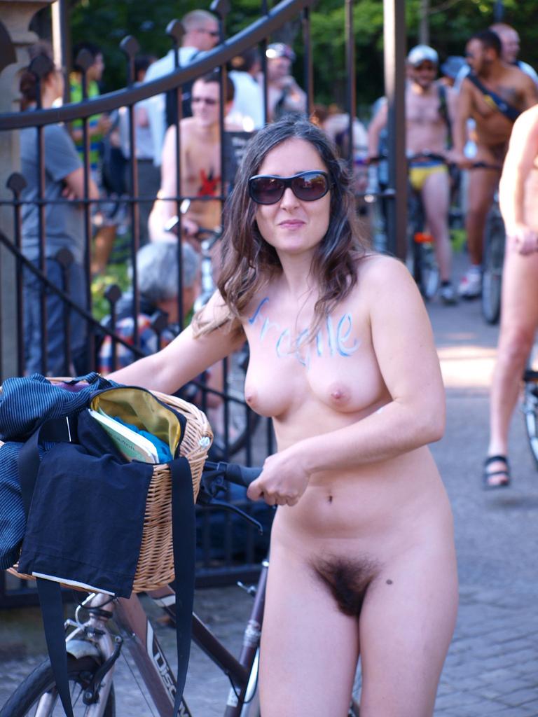 https://www.nudismlife.com/galleries/nudists_and_nude/the_most_natural_nudists/the_most_natural_nudists_0175.jpg