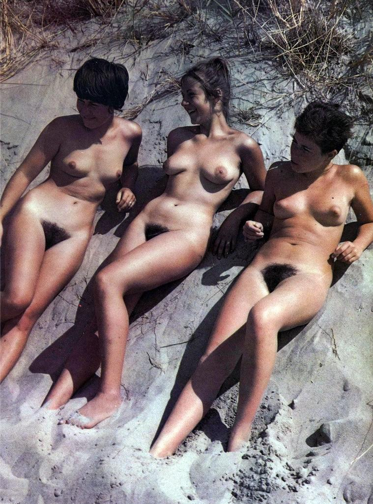 https://www.nudismlife.com/galleries/nudists_and_nude/the_most_natural_nudists/the_most_natural_nudists_0194.jpg