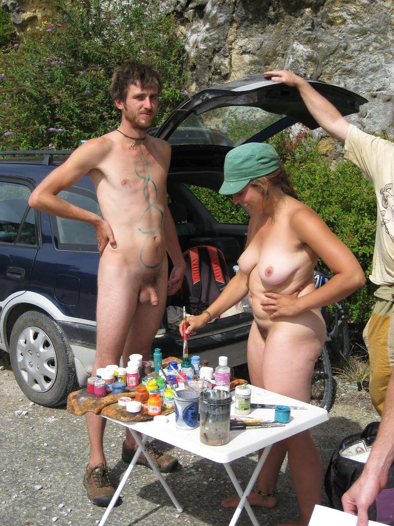 https://www.nudismlife.com/galleries/nudists_and_nude/the_most_natural_nudists/the_most_natural_nudists_0203.jpg