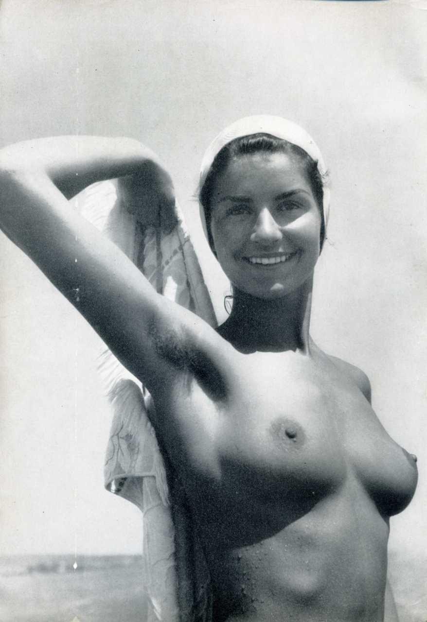 https://www.nudismlife.com/galleries/nudists_and_nude/the_most_natural_nudists/the_most_natural_nudists_0221.jpg