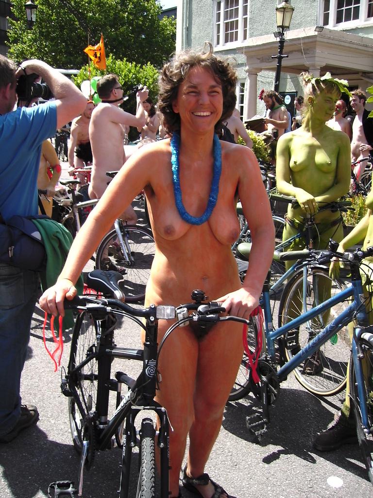 https://www.nudismlife.com/galleries/nudists_and_nude/the_most_natural_nudists/the_most_natural_nudists_0234.jpg