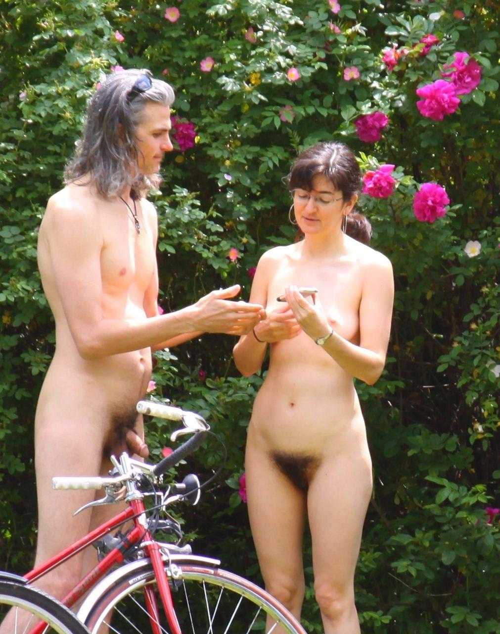 https://www.nudismlife.com/galleries/nudists_and_nude/the_most_natural_nudists/the_most_natural_nudists_0264.jpg