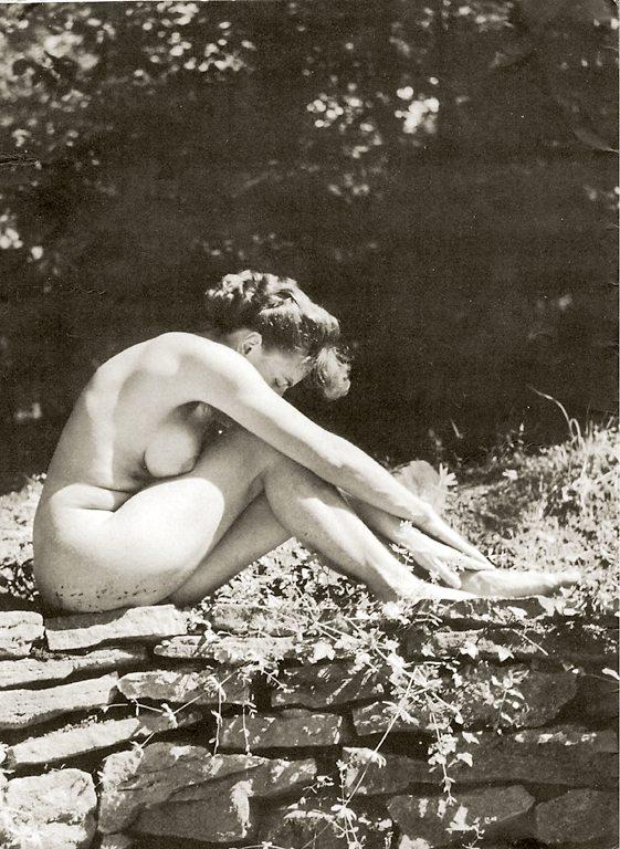 https://www.nudismlife.com/galleries/nudists_and_nude/the_most_natural_nudists/the_most_natural_nudists_0273.jpg
