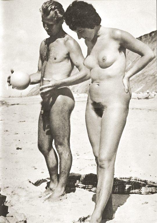 https://www.nudismlife.com/galleries/nudists_and_nude/the_most_natural_nudists/the_most_natural_nudists_0274.jpg