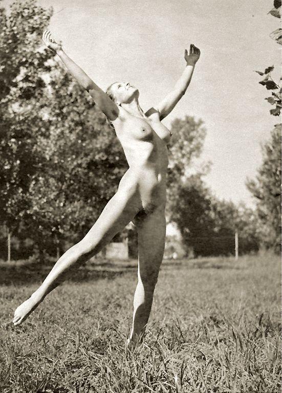 https://www.nudismlife.com/galleries/nudists_and_nude/the_most_natural_nudists/the_most_natural_nudists_0287.jpg