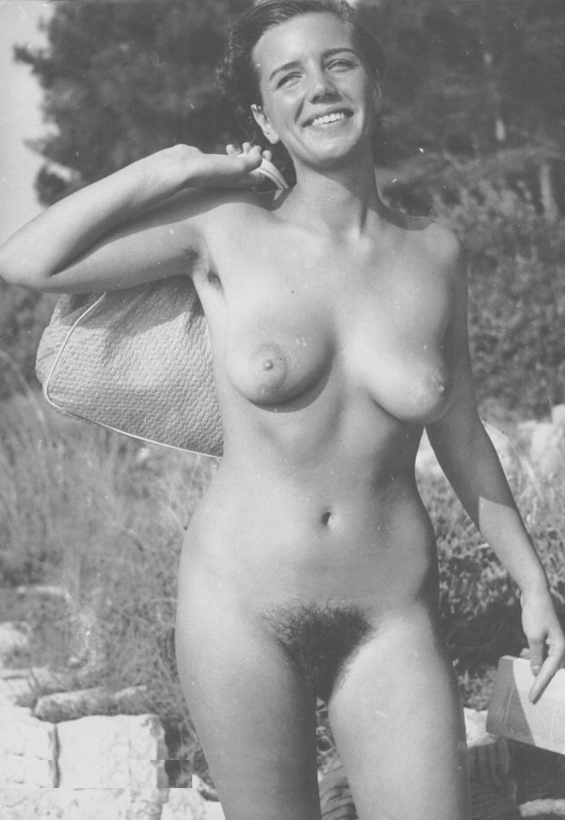 https://www.nudismlife.com/galleries/nudists_and_nude/the_most_natural_nudists/the_most_natural_nudists_0296.jpg
