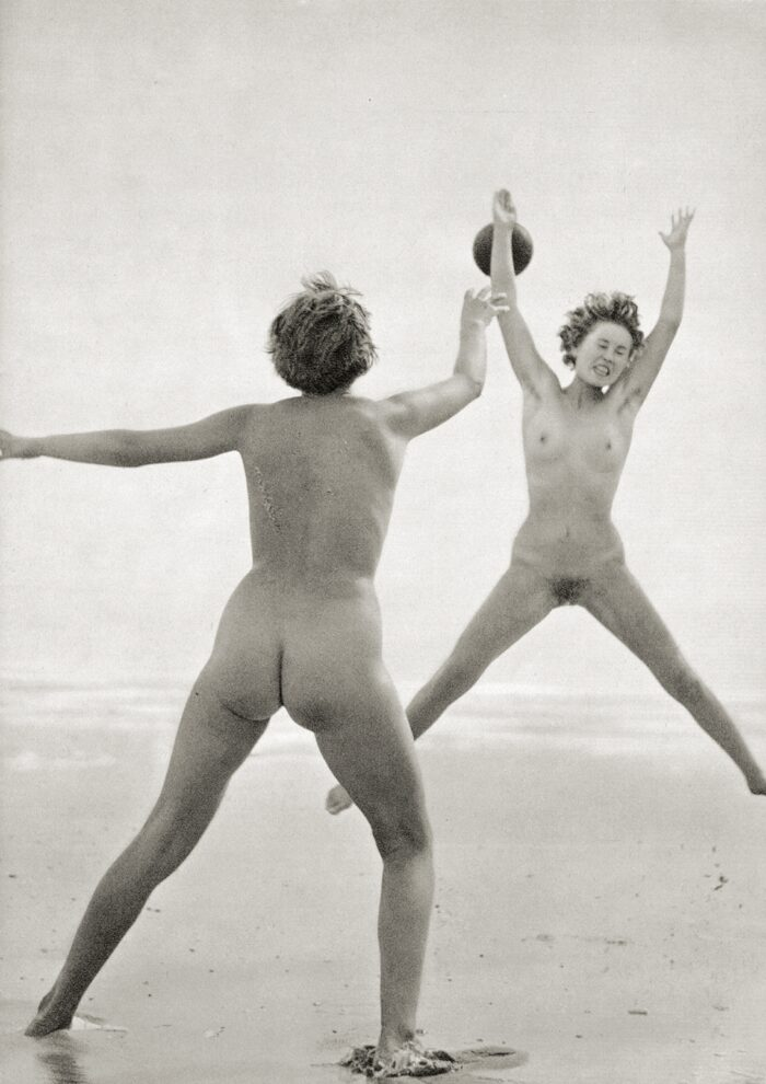 https://www.nudismlife.com/galleries/nudists_and_nude/the_most_natural_nudists/the_most_natural_nudists_0377.jpg
