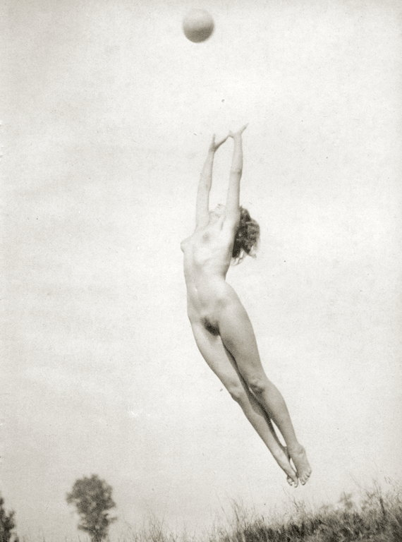 https://www.nudismlife.com/galleries/nudists_and_nude/the_most_natural_nudists/the_most_natural_nudists_0382.jpg