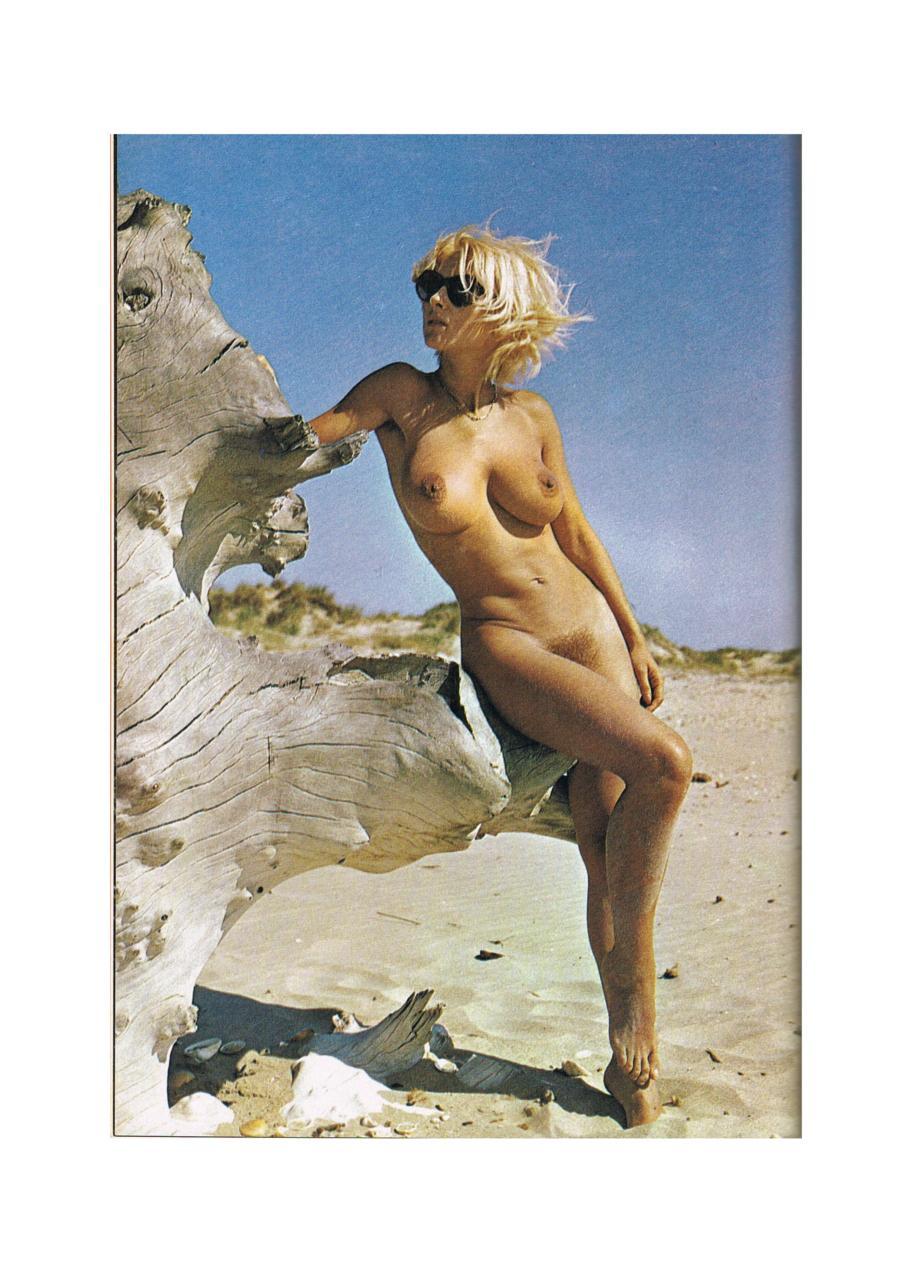 https://www.nudismlife.com/galleries/nudists_and_nude/the_most_natural_nudists/the_most_natural_nudists_0389.jpg