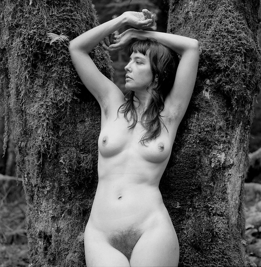 https://www.nudismlife.com/galleries/nudists_and_nude/the_most_natural_nudists/the_most_natural_nudists_0422.jpg