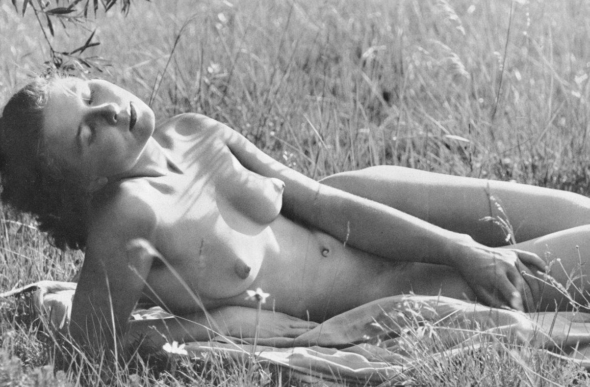 https://www.nudismlife.com/galleries/nudists_and_nude/the_most_natural_nudists/the_most_natural_nudists_0425.jpg