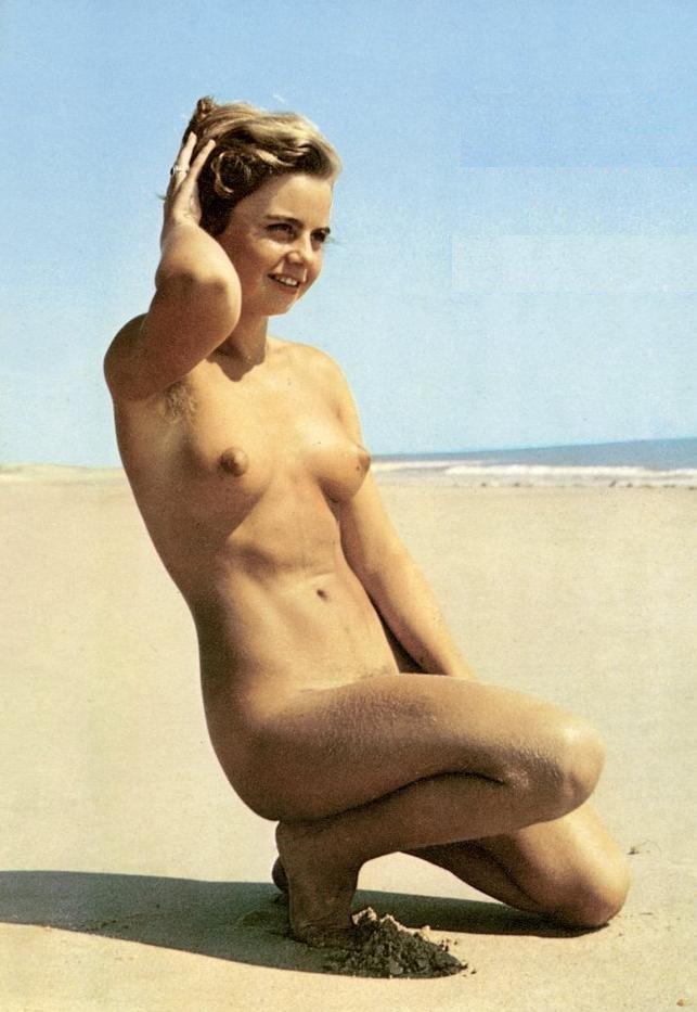 https://www.nudismlife.com/galleries/nudists_and_nude/the_most_natural_nudists/the_most_natural_nudists_0433.jpg