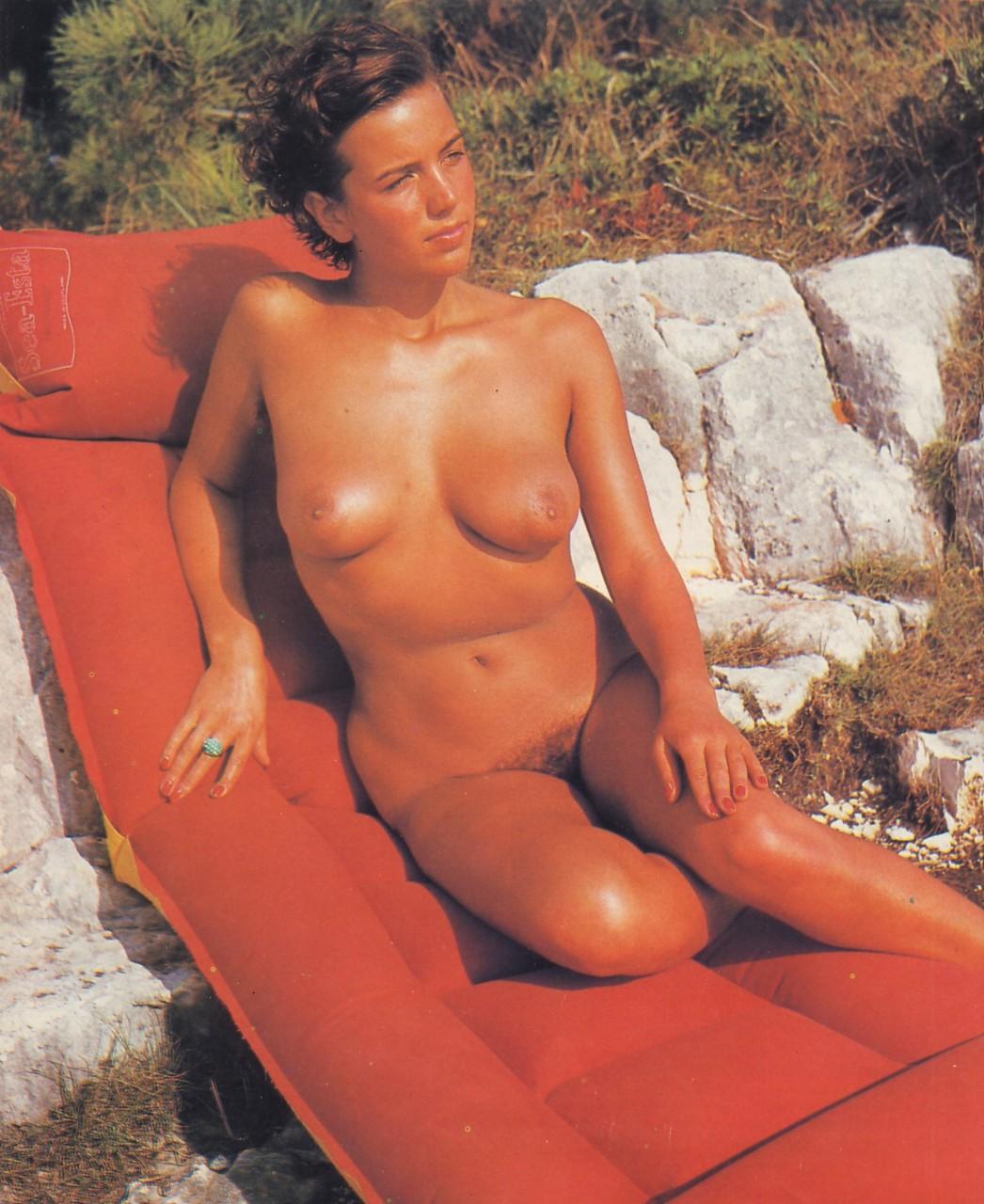 https://www.nudismlife.com/galleries/nudists_and_nude/the_most_natural_nudists/the_most_natural_nudists_0481.jpg