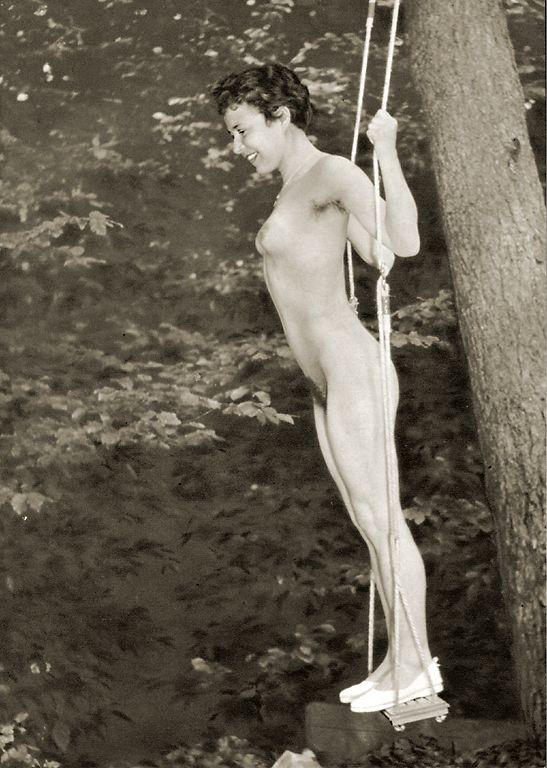 https://www.nudismlife.com/galleries/nudists_and_nude/the_most_natural_nudists/the_most_natural_nudists_0488.jpg