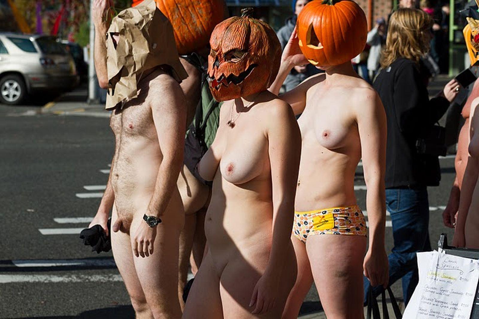 20101101 nude pumpkin runners 006